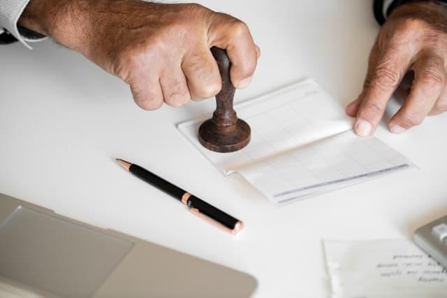 ניהול חשבון בנק תרגום נוטריון